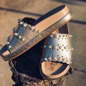 Sam Edelman Sera Pearly Metallic Pool Sandals